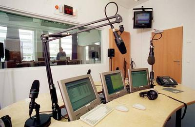 ORF equipment - Radio studio (1)