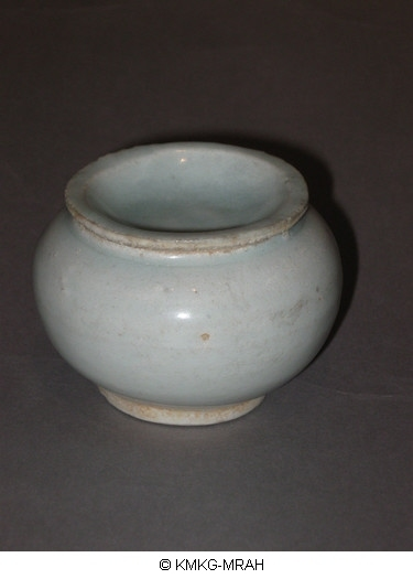 Undecorated lidded jar (Qingbai ware)