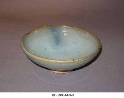 Bowl with japanese lacquer restoration (Jun-ware)