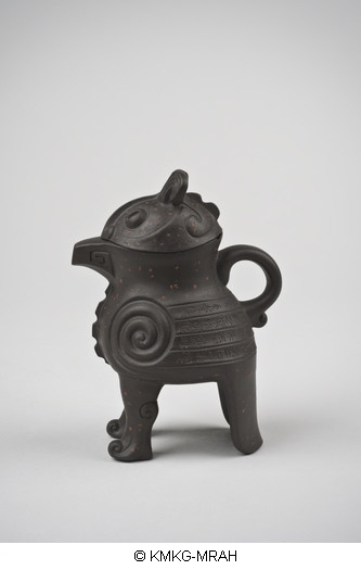 Teapot in the shape of a 'niaozun'