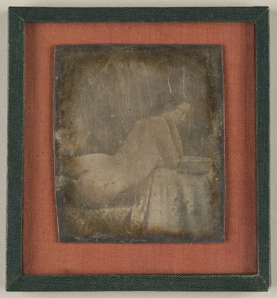 A torso - one half of the stereodaguerreotype is missing. New housing.