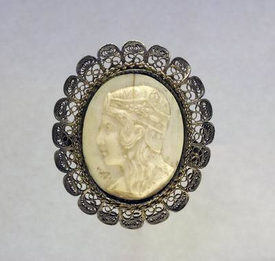 Brooch with a depiction of Yael