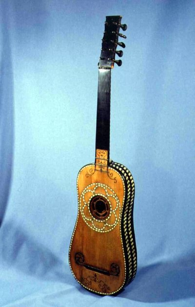 Guitare baroque | http://www.mimo-db.eu/InstrumentMaker/Person/528
